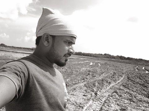 உலகம் உன் கையில்…கவிதை மட்டுநகர் கமல்தாஸ்