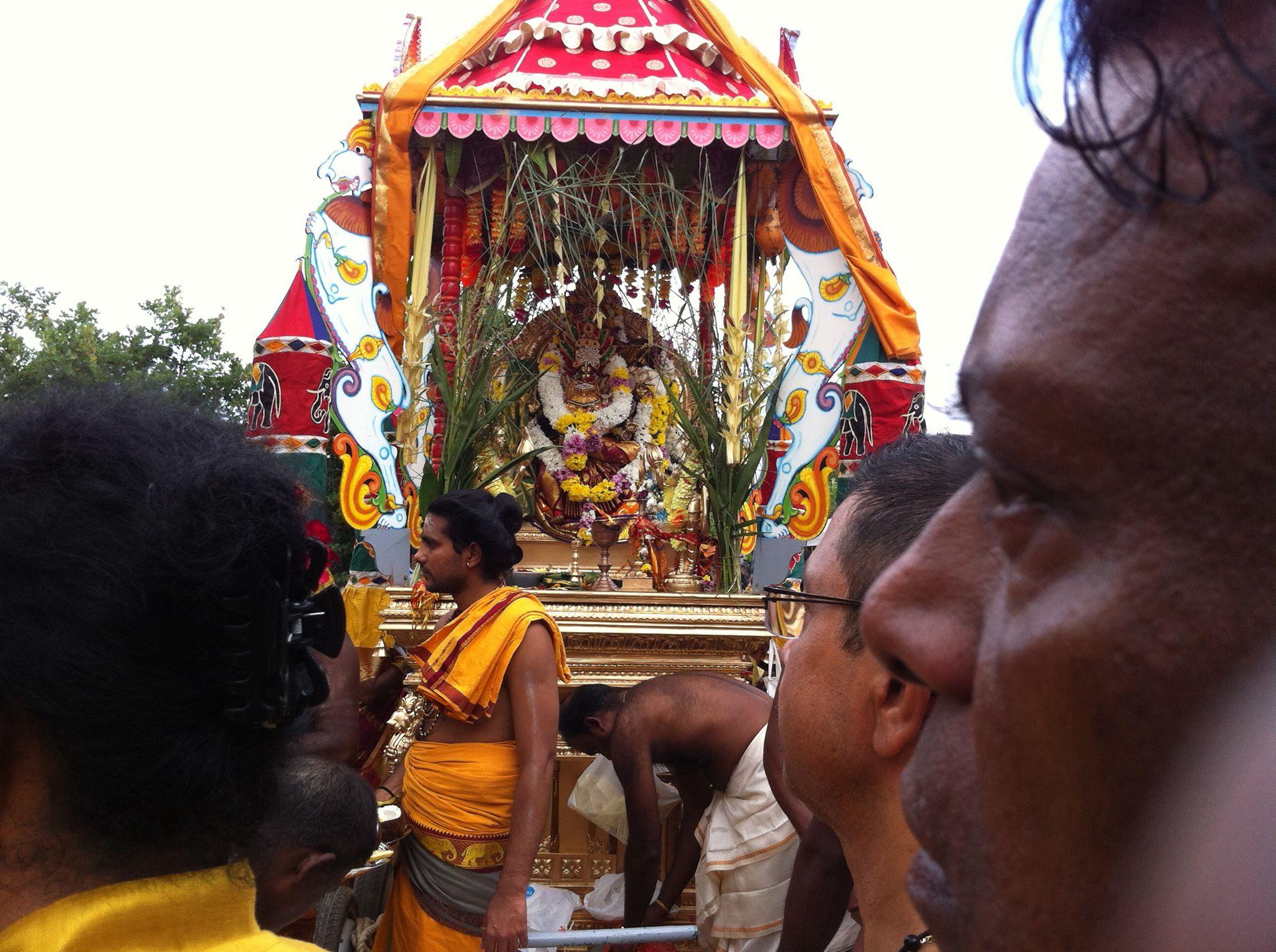 கனோவர் ஸ்ரீ முத்துமாரி அம்மன்தேர்29.07.17 நடந்தேறியது