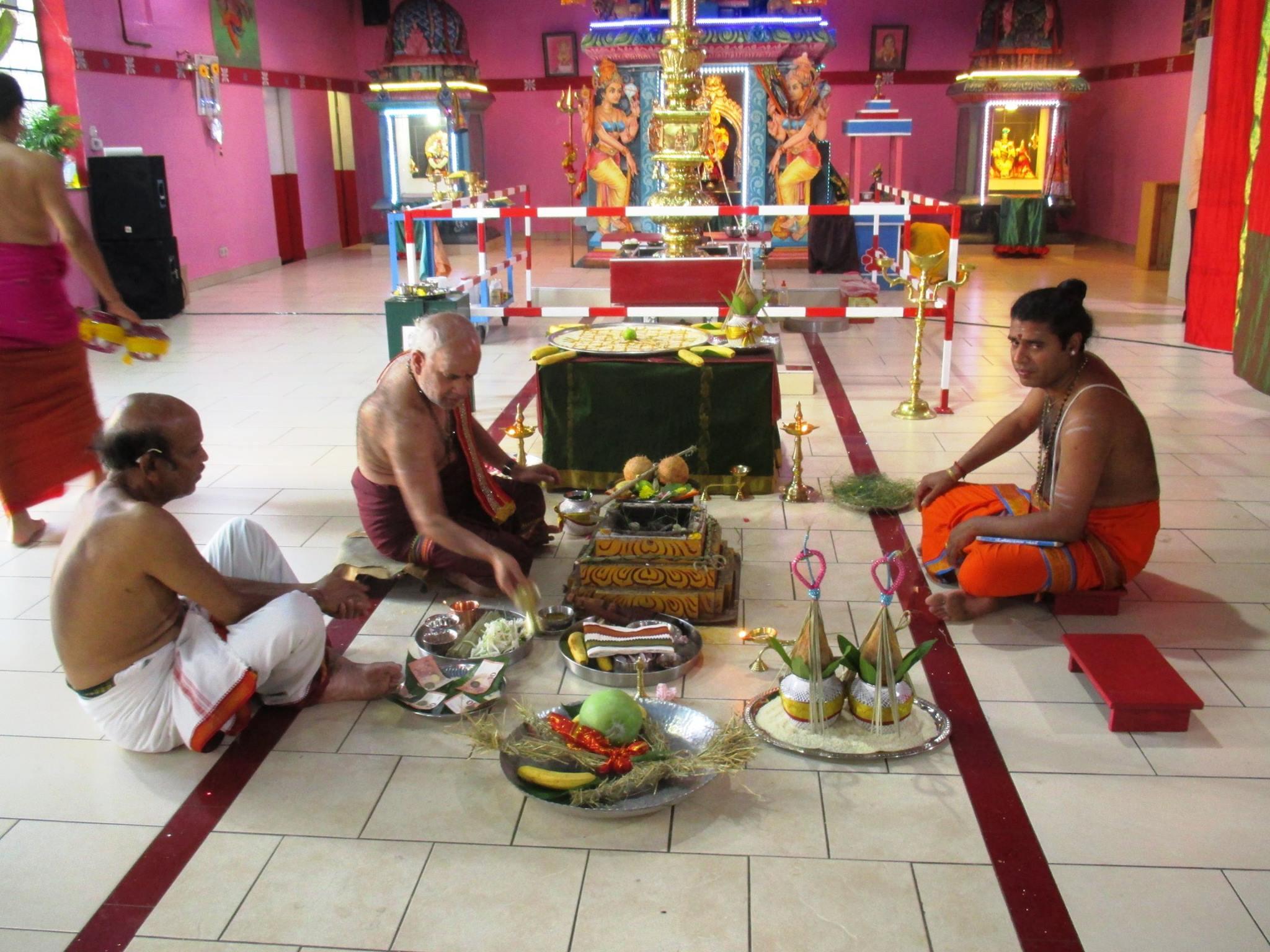 சுவெற்ரா கனகதுர்க்கா அம்பாள் ஆலயத்தில்  கிரிகைகள் நடைபெற்றது.