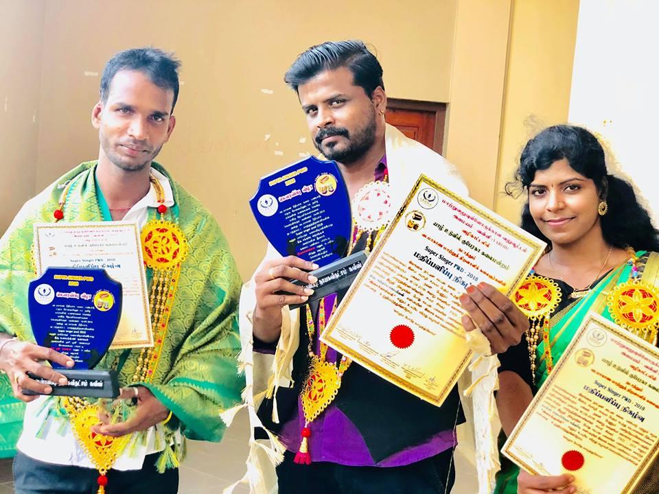 வடமாகாண ரீதியாக ஒரே இசைக்குழுவை சேர்ந்த மூவருக்கு விருதுவழங்கப்பட்டுள்ளது