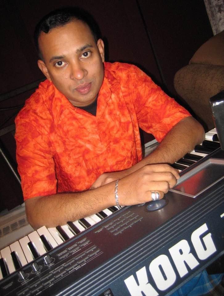 இலங்கை மணித்திருநாட்டின் சிறந்த சுரத்தட்டு (keyboard) வாத்தியக்கலைஞர்கள்ஜெயம்