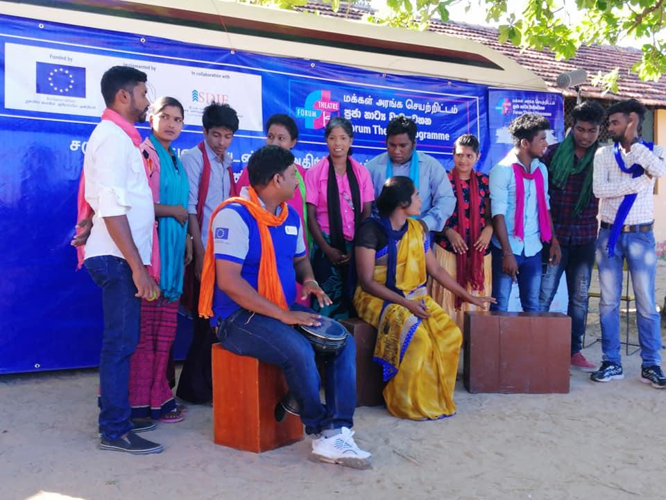 குமுழமுனை பகுதியில்.. கதிரொளி கலைக்கூட கலைஞர்கள் நாடகம் 04..04_2019சிறப்பாக நடைபெற்றது