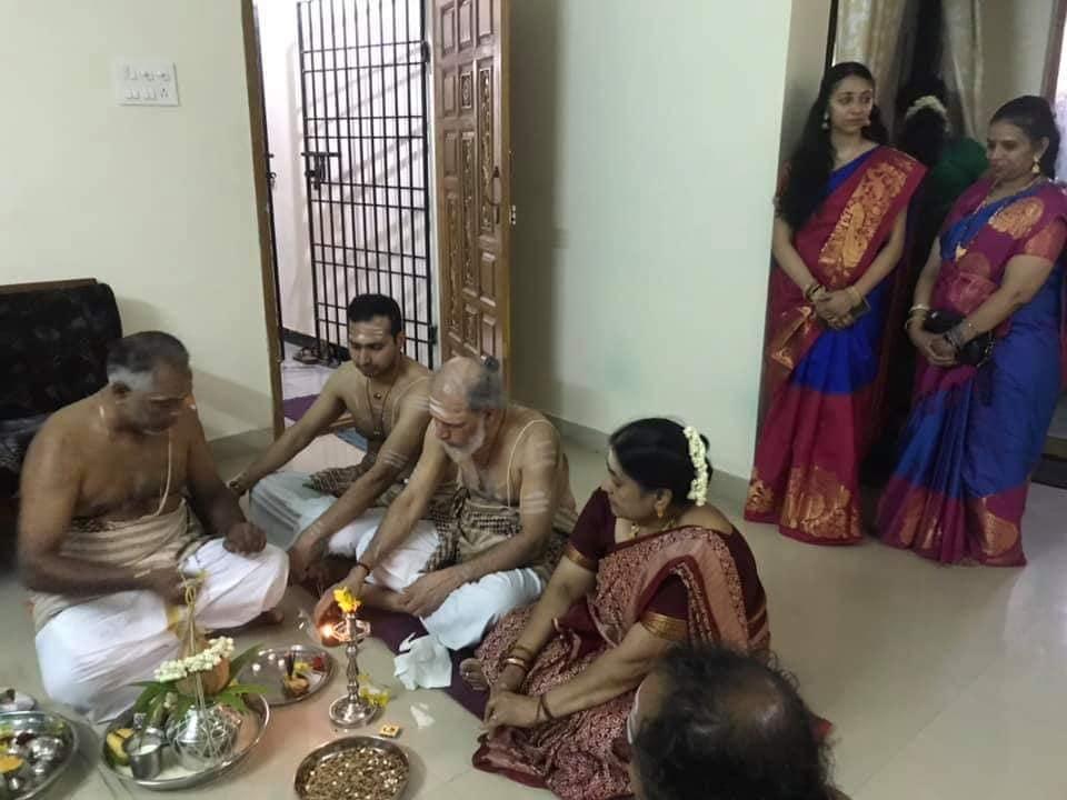 சந்தோஸ் சர்மாவின் பொன்னுருக்கல் இனிதே இந்தியாவில் இடம்பெற்றுள்ளது