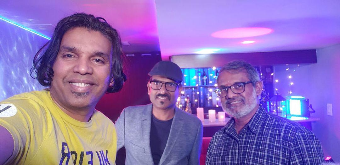 வெகுவிரவில் உங்கள் அபிமான உலகப்புகழ் பெற்ற Tamil karaoke world நிகழ்ச்சி புதிய வடிவில்